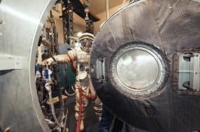 20140530_Soyuz Training_Orlan Suit_0314-XL