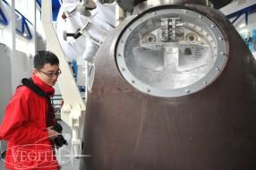 space-training-chinese-tourist-01